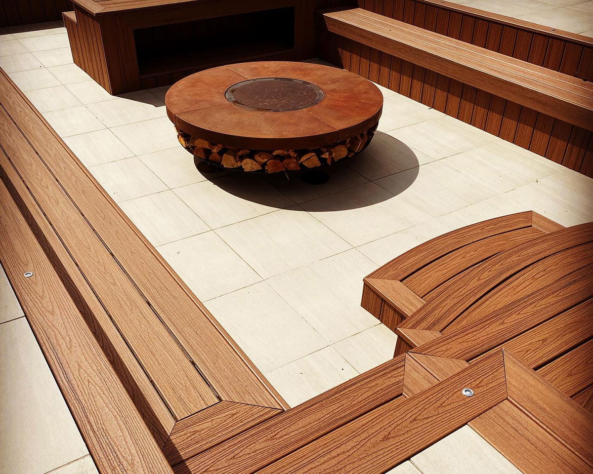 The best decking designer in Swansea